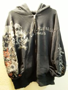 Gorgeous TGCW multi skulls hoodies in soft cotton navy blue color embellished with shiny Swarovski crystals size XL preowned good condition Alternative Outfits, Alternative Fashion, Cool Outfits, Fashion Outfits, Swagg, Aesthetic Clothes, My Outfit, Style Me, Street Wear