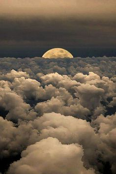 beautiful clouds & moon. ❤❤❤