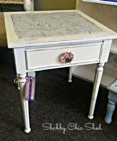 Small Vintage Side Table with Drawer in Antique Ivory & Decoupage...