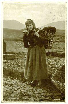 vintage postcard of a Connemara woman Images Of Ireland, Irish People, Irish Culture, Ireland Travel, Galway Ireland, Irish American, Old Photography, Connemara, Fotografia