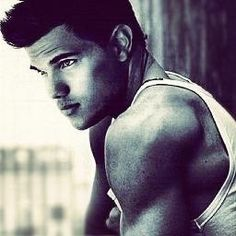 Taylor Lautner, please marry me <3