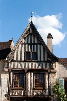 Half-timber in Burgundy Timber Buildings, Old Buildings, Architecture Old, Architecture Details, Wattle And Daub, Burgundy France, Belle France, Auxerre, Ardennes