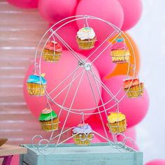 Coachella Party: I'd rather be at Coachella, Sorry, Kidchella! - Confetti Fair magazines, fairs and workshops Cochella Theme Party, Coachella Party Theme, Coachella Birthday, Festival Themed Party, Coachella Party Decorations, Quinceanera Planning, Quinceanera Party, Birthday Party Celebration, Birthday Parties
