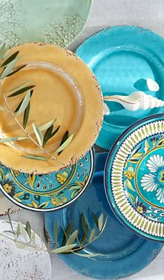gorgeous dinner plates  http://rstyle.me/n/i3csmpdpe