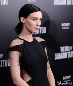 still haven't seen GWTDT, i am now convinced that Rooney Mara is smokin'.