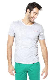 e580db3c1 Camiseta Calvin Klein Jeans Usual Cinza