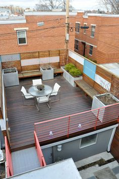Capitol Hill Row House - contemporary - patio - dc metro - CM Glover--- benches along wall Roof Terrace Design, Rooftop Design, Rooftop Decor, Rooftop Terrace, Rooftop Gardens, Diy Pergola, Deck Furniture, Outdoor Furniture Sets, Terrasse Design