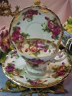 Nice Gold Big Roses Royal Sealy 3 Piece Trio Bone China Tea Cup & Saucer & Plate