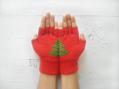 Christmas Gift, Christmas Tree, Red Gloves, Fingerless Gloves, Xmas, New Year, Special Gift, Holiday Gift, Gift For Her, Unique Gift, Green    These