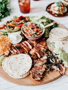 Charcuterie Recipes, Charcuterie And Cheese Board, Charcuterie For Dinner, Mexican Food Recipes, Dinner Recipes, Healthy Recipes, Mexican Party Foods, Mexican Food Buffet, Delicious Recipes