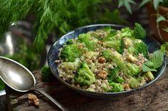 Fit sałatka z kaszą i warzywami