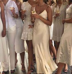 Fashion Tips Dresses .Fashion Tips Dresses Gossip Girl, Estilo Ivy, No Bad Days, Summer Aesthetic, Travel Aesthetic, Korean Aesthetic, Flower Aesthetic, White Aesthetic, Aesthetic Girl
