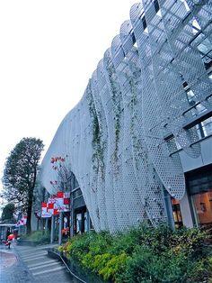 玉川髙島屋, Tamagawa Takashimaya facade renovation, Tokyo, Japan by Ken Lee 2010, via Flickr