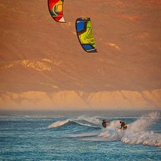 Gary Siskar & Jason Slezak enjoying waves in Baja Photo : Extreme Water Sports, Cool Pictures, Cool Photos, Popular Hobbies, Windsurfing, Surf Girls, Beach Fun, Outdoor Fun, Surfboard