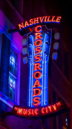 Neon signs light up the night sky in downtown Nashville drawing tourists like a moth to a flame. The abundance of neon fosters the nickname Nashvegas for the Music City, the crossroads of country music. Old Neon Signs, Vintage Neon Signs, Neon Light Signs, Old Signs, Vintage Cars, Neon Jungle, Neon Moon, Neon Words, Neon Nights