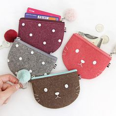 The Basic portable felt coin zipper pouch case by Indigo. The Basic felt coin pouch is a lovely and well made zipper pouch case with key ring. Zipper Crafts, Sewing Crafts, Sewing Projects, Cute Crafts, Felt Crafts, Crafts To Make, Felt Wallet, Felt Sheets, Embroidery Bags