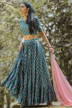 Indian Wedding Outfits, Bridal Outfits, Indian Outfits, Lehenga Choli Designs, Indian Lehenga, Tokyo Fashion, Anarkali, Indian Gowns Dresses, Pakistani Dresses