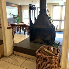 royal-hotel-bowral-southern-highlands-nsw-fireplace-in-dining-room