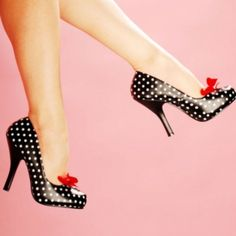 I have never wanted a pair of shoes so bad in my life!