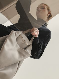 The handcrafted FLUKE bag is made of shrunken lamb nappa or goat suede leather. Longchamp, Suede Leather, Tote Bag, Grey, Bags, Collection, Fashion, Gray, Handbags