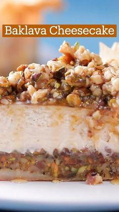 Baklava Cheesecake, Cheesecake Recipes, Banana Dessert Recipes, How Sweet Eats, Cupcake Cakes, Cupcakes, Fun Desserts, Sweet Recipes, Baking Recipes