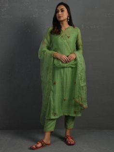 Baggy Dresses, Cotton Silk Fabric, Chiffon Maxi Dress, Indian Ethnic Wear, Indian Designer Wear, Boho Fashion, Clothes For Women, Loom, Kurta Pants