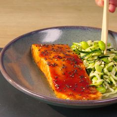 Low-carb zucchini noodles are a great staple to keep in your fridge. Use them in this almost-instant salad that requires no chopping. easy dinner, easy salmon recipes, salmon recipes, zoodles, zoodle recipes, zucchini recipes, healthy dinner ideas, healthy dinner recipes, korean bbq, korean recipes, korean food, korean cooking, asian recipes, asian food, asian cooking Salmon Recipe Videos, Healthy Salmon Recipes, Sushi Recipes, Healthy Dinner Recipes, Korean Bbq Recipe, Korean Recipes, Korean Food, Healthy Meal Prep, Healthy Food