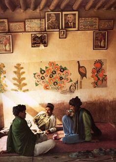 """""""Afghanistan"""", images de Roland Michaud. Collection """"Rêves et réalités"""", Hachette. 1970."""