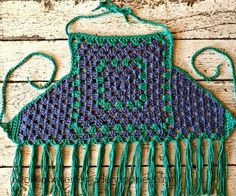 There's so much you can create with a simple granny square! There's so much you can create with a simple granny square! It has to be the most versatile patte Crochet Summer Tops, Crochet Halter Tops, Crochet For Kids, Crochet Baby, Love Crochet, Vintage Crochet, Black Crochet Dress, Crochet Square Patterns, Crochet Shawl