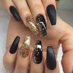 35 Impressive Nail Ideas That Trending In 2019 - Black And Gold Nails - Black Gold Nails, Black Acrylic Nails, Gold Nail Art, Matte Nails, Matte Black, Black Sparkle, Gold Coffin Nails, Gold Art, Matte Gold