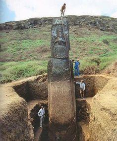Paskalya Adasındaki Heykelleri Kim Yaptı?