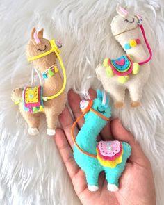Alpacas, Felt Patterns, Felt Ornaments, Dinosaur Stuffed Animal, Cross Stitch, Retro, Sewing, Crafting, Diy
