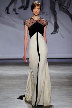 Guarda la sfilata di moda Lela Rose a New York e scopri la collezione di abiti e accessori per la stagione Collezioni Primavera Estate 2015.
