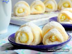Moje prhke nezne pahuljice sa kokosom i pudingom od vanile ,odusevice sve… Donut Recipes, Baking Recipes, Cookie Recipes, Kolaci I Torte, Food Garnishes, Croatian Recipes, Desert Recipes, No Bake Cake, Chocolate Chip Cookies