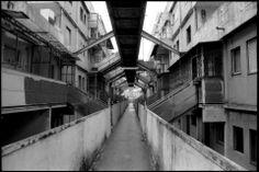 Scampia Napoli corridors of Le Vele Unusual Buildings, Scampi, Concrete Jungle, Slums, Architecture Photo, Brutalist, Dieselpunk, Construction, Italy