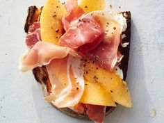 toast Ideas: prosciutto-melon toast In a breakfast rut? These 13 epic toast ideas will satisfy any craving you have and totally change the way you think of the breakfast classic. For more recipes, go to Domino. Think Food, Love Food, Prosciutto Melon, Cooking Light, Clean Eating Snacks, Appetizer Recipes, Italian Appetizers, Cheese Appetizers, Recipes Dinner