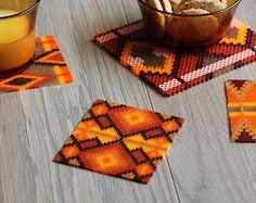 PROMO - Un dessous inspiration azteque indien fait main de millier de perles repassées six coloris au choix