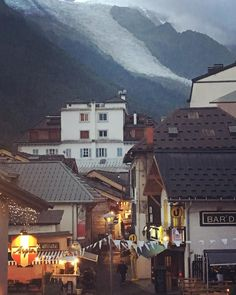(and at night: This lovely little town maintains a backpacker feel even with many tourist. Backpacker, Mansions, Night, House Styles, Home Decor, Backpacking, Luxury Houses, Interior Design, Home Interior Design