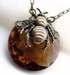 Lovely honeybee necklace bronzed brass on topaz Czech glass stone, by Federikas.