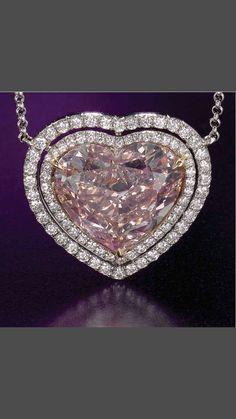 Precious Pink Diamond white gold 18 k shape of Heart Pendant. Modern Jewelry, Fine Jewelry, Jewellery, Argyle Pink Diamonds, Pink Diamond Ring, Heart Shaped Diamond, Rose Gold Jewelry, Bling, Gemstones
