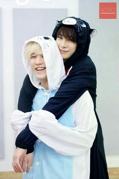Moonbin and Jinjin ❤ is it bad that I am slightly jealous of them both, because they get to hug each other and I don't?