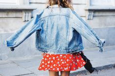Floral_Dress-Topshop-Denim_Jacket-Street_Style-Outfit-23