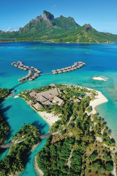 Hello, Bora Bora! Time for the #FSJet to touch down in French Polynesian paradise.