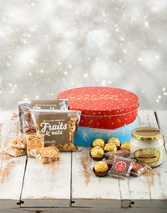 Perfect gourmet dried fruit and nut Gifts , Netflorist offers a range of gourmet dried fruit and nut Gifts. Flower Delivery Service, Gourmet Gifts, Dried Fruit, Christmas Treats, Tin, Pewter, Christmas Snacks, Christmas Sweets