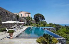 Rocca delle Tre Contrade villa in Sicily offers an infinity pool, hilltop views and private tennis court. Enquire today to speak with a Villa Specialist. Hotel Swimming Pool, Amazing Swimming Pools, Sicily Villas, Infinity Pool, Italian Villa, Plunge Pool, Island Resort, Beautiful Hotels, Mansions