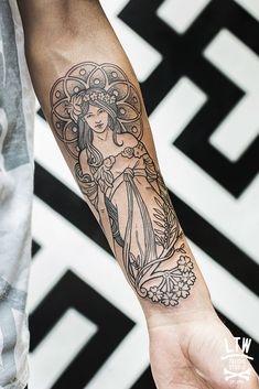 inspired by the artist Alphonse Mucha (LTW Tattoo - Barcelona)