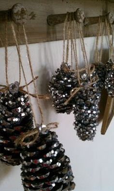 Glitter pinecones green natural christmas ornaments