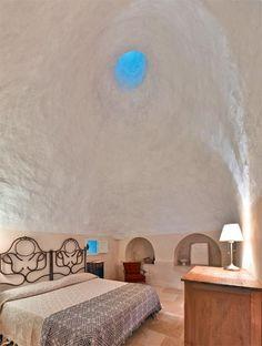 Trullo Converted Into Comfortable Home - master bedroom