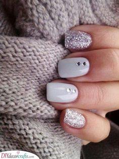 Glitter Nail Art Designs for Shiny & Sparkly Nails Black Nail Designs, Simple Nail Art Designs, Winter Nail Designs, Christmas Nail Designs, Beautiful Nail Designs, Acrylic Nail Designs, Christmas Nails, Trendy Nail Art, Easy Nail Art