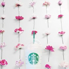 Birthday cake Frappuccino + a flower wall. Pink beauty everywhere! Starbucks Cup Art, Starbucks Menu, Starbucks Coffee, Dessert Drinks, Yummy Drinks, Coffee Cafe, My Coffee, Blended Coffee Drinks, Homemade Iced Coffee
